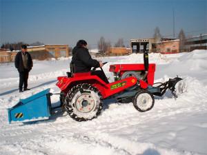 Фото: Задненавесной отвал для мини-трактора
