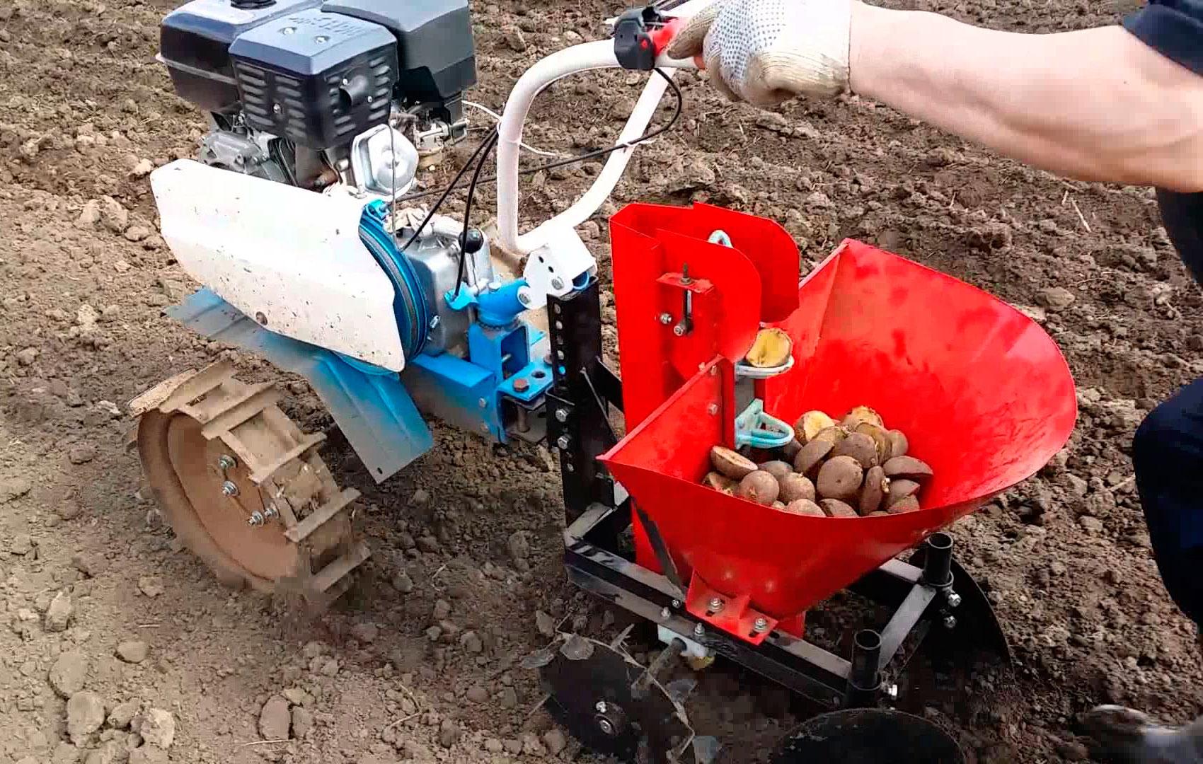 Картофель : посадка мотоблоком, нарезка борозд и окучивание