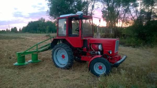 Фото: Навесная косилка для трактора Т-25